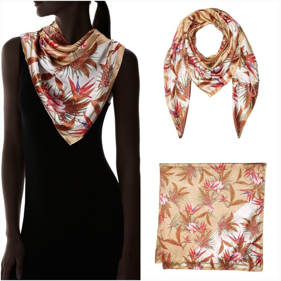 Vince Camuto Accessories - Vince Camuto Scarf